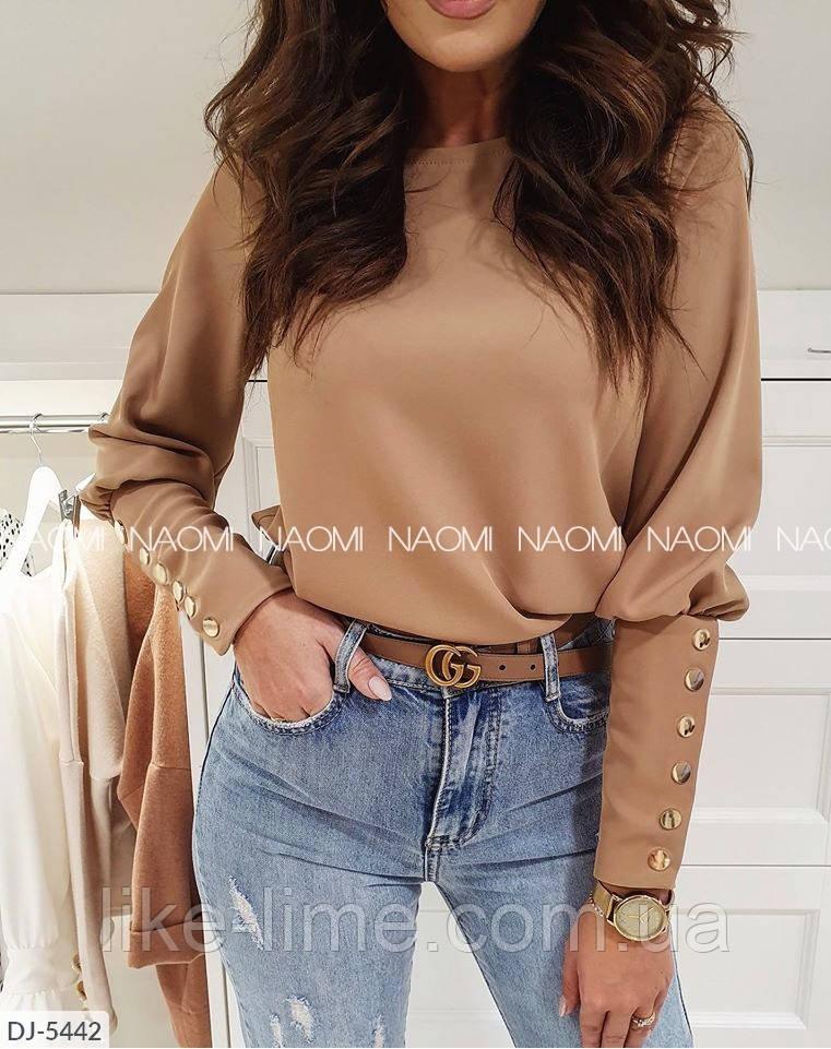 Жіноча блуза з гудзиками
