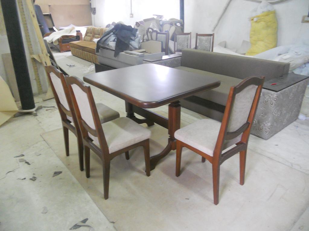 Стіл і стільці з натурального дерева. 1