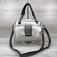 Женская сумочка кросс-боди серебристого цвета