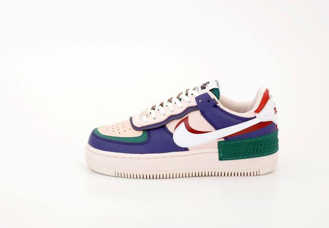 Женские кроссовки Nike Air Force Shadow фото