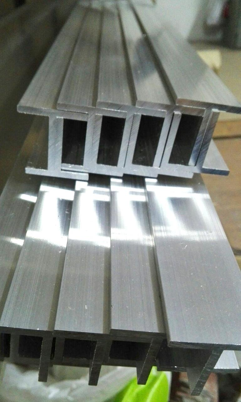 Тавр алюминиевый 20х20х2мм