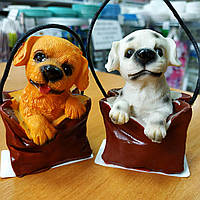 Керамічний сувенір Собака сидить в сумці
