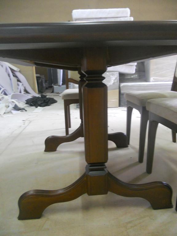 Стіл і стільці з натурального дерева. 3