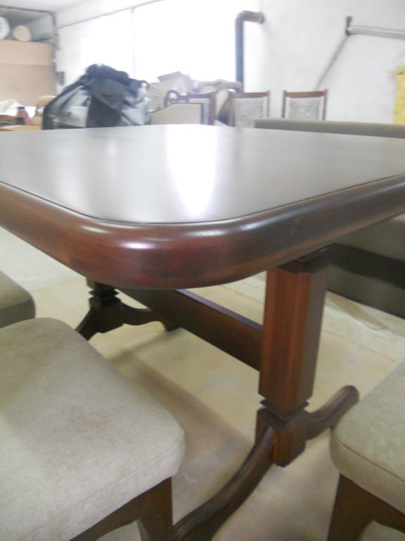 Стіл і стільці з натурального дерева. 6