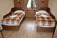Кровать односпальная деревянная