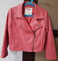 Б/У Куртка косуха для девочки, в коралловом цвете, на 4-6 лет, фото 1