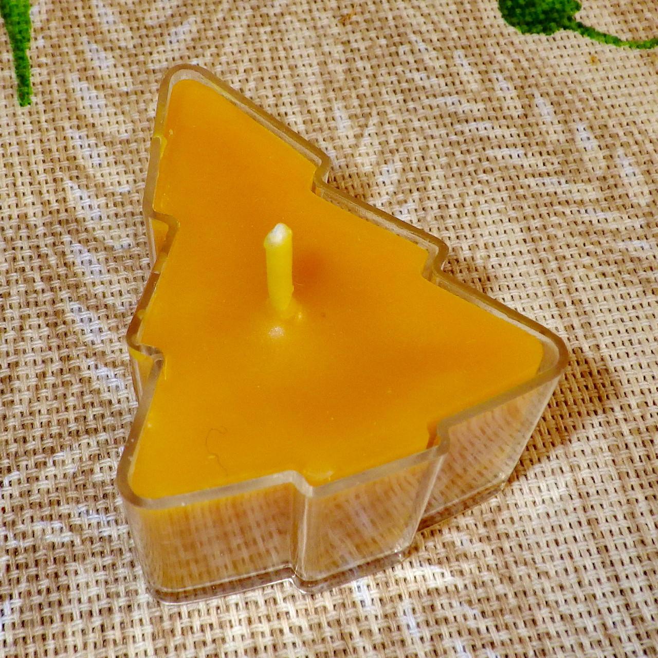 Восковая чайная свеча Ёлочка в пластиковом прозрачном контейнере; натурального пчелиный воск