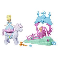 Игровой набор Принцессы Дисней Вращающаяся Золушка на Пони. Оригинал Hasbro E0249/E0072
