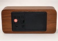 Стильные настольные часы под дерево VST865 с красной подсветкой, фото 5