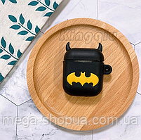 """Защитный силиконовый чехол для AirPods """"Batman"""" с карабином"""
