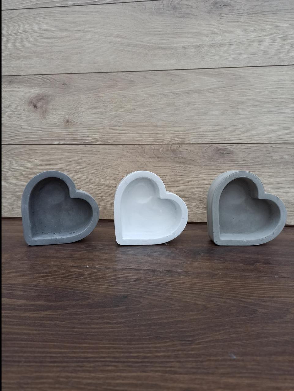 Гіпсове кашпо у формі серця