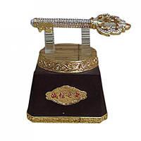 Ключ золотой на подставке 12х10х12 см 2274
