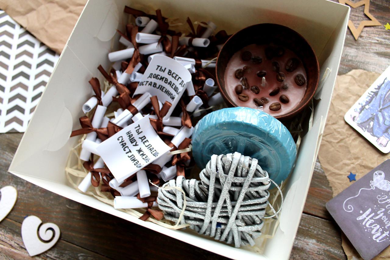 """Коробочка """"51 причина, почему я тебя люблю"""" + сувениры"""