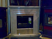 Каминный портал из светлого мрамора Крема нова и Имперадор Лайт под чугунную топку (l=667 мм, h=515 мм)