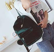 Бархатный женский мини рюкзак (зеленый) с брелком, фото 4