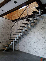 Металеві сходи , металокаркаси під сходи, закритого та відкритого типу
