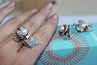 Кольцо белый жемчуг с золотом Фелиция
