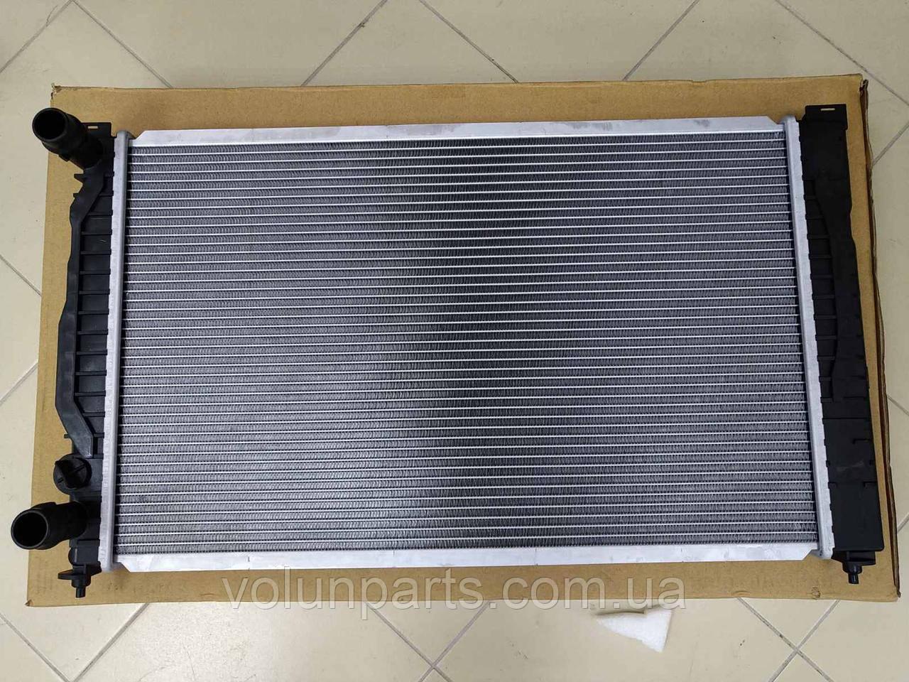 Радиатор охлаждение Audi a4b5/a6c5/Passat b5/Skoda superb 1.6-2.0  Polcar 1324082