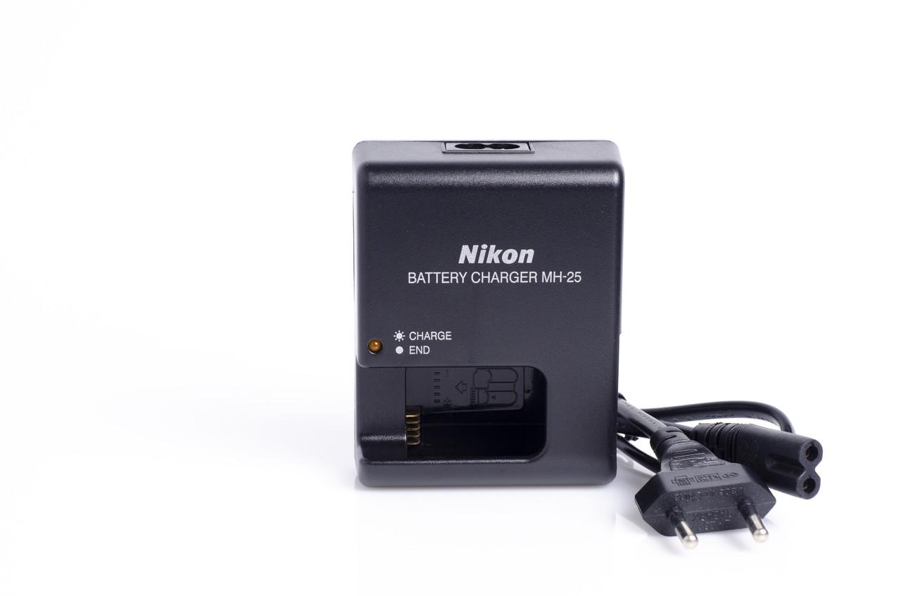 Зарядное устройство Nikon MH-25 для аккумулятора EN-EL15