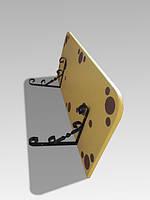 Полиця плоска на металевих кронштейнах
