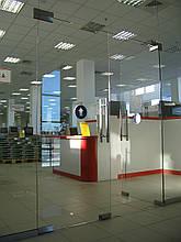 Монтаж і регулювання дверей в офісах і торгових комплексах