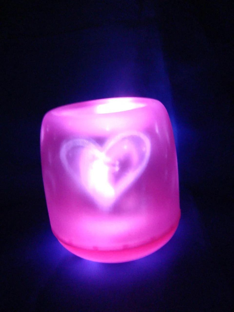 Світлодіодна мерехтлива свічка «Задуй мене» Фіолетова
