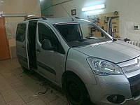 Лобовое стекло на Citroen Berlingo /Peugeot Partner