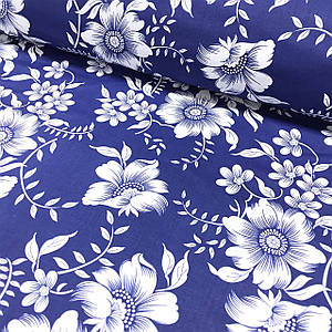 Хлопковая ткань польская крупные белые цветы на темно-синем