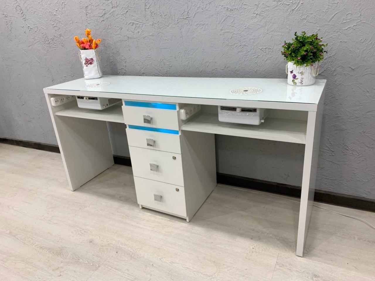 Маникюрный стол для двух мастеров