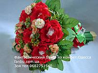 """Ручной букет алых роз из raffaello """"Утонченность""""№7-красный"""