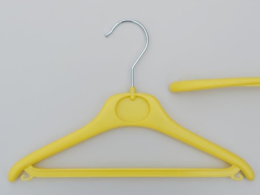 Длина 30 см. Плечики детские пластмассовые V-DY30 лимонного цвета