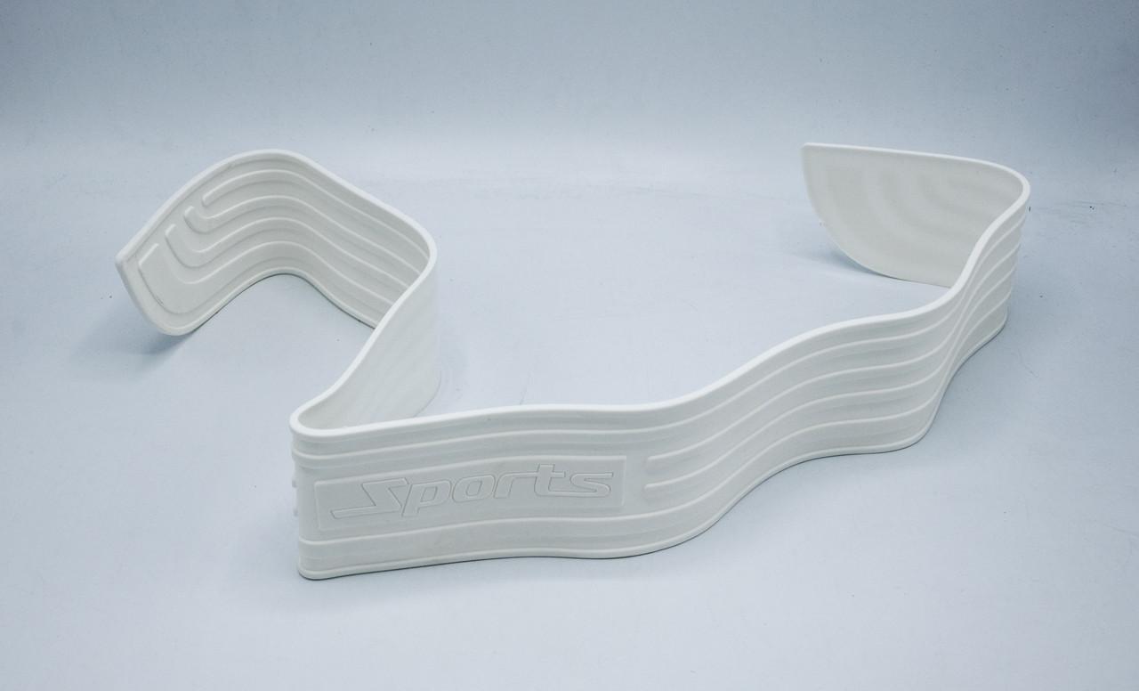 Универсальная защитная накладка на задний бампер SPORT / белая