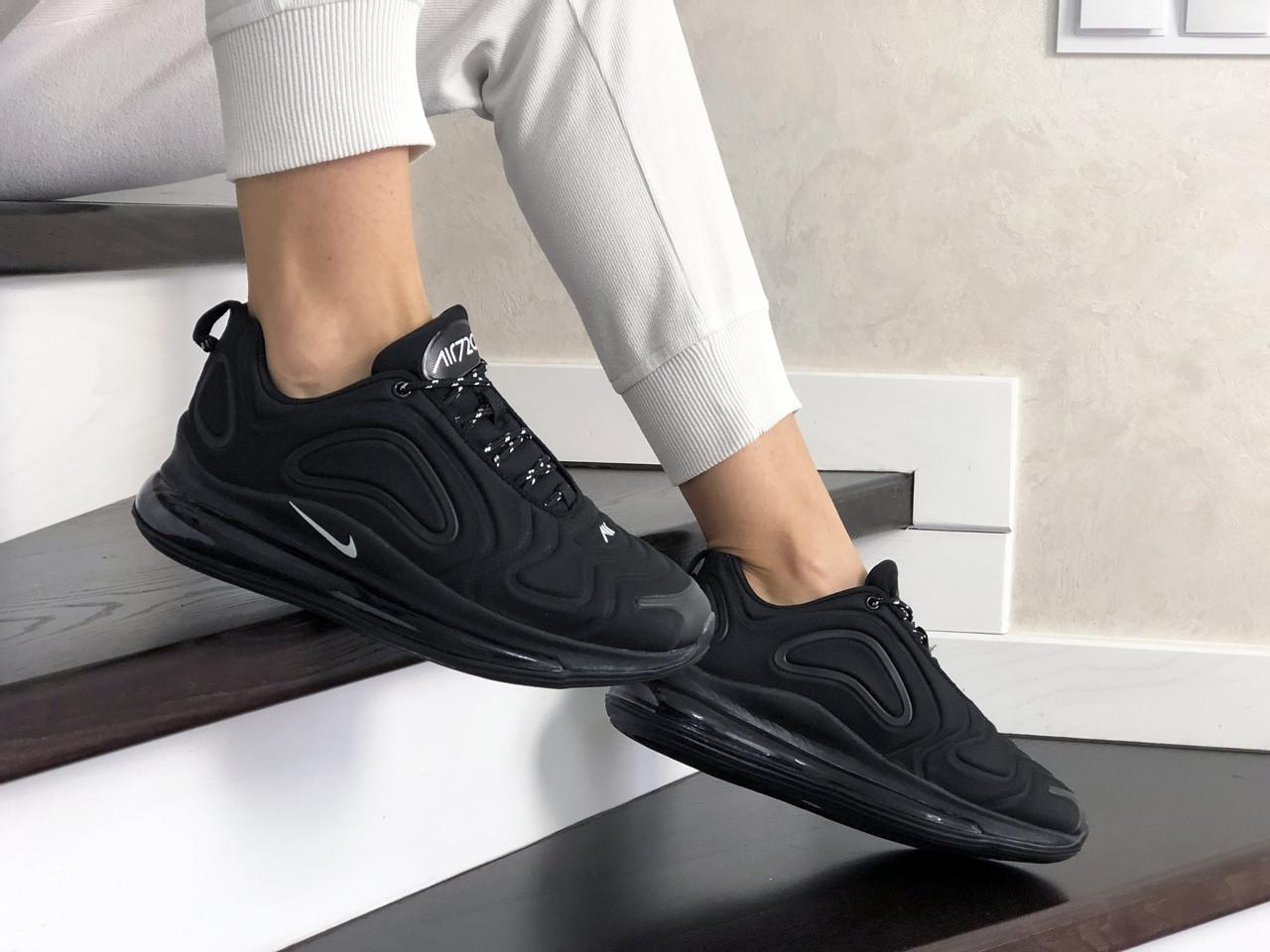 Жіночі кросівки Nike Air Max 720 (чорні) 8933