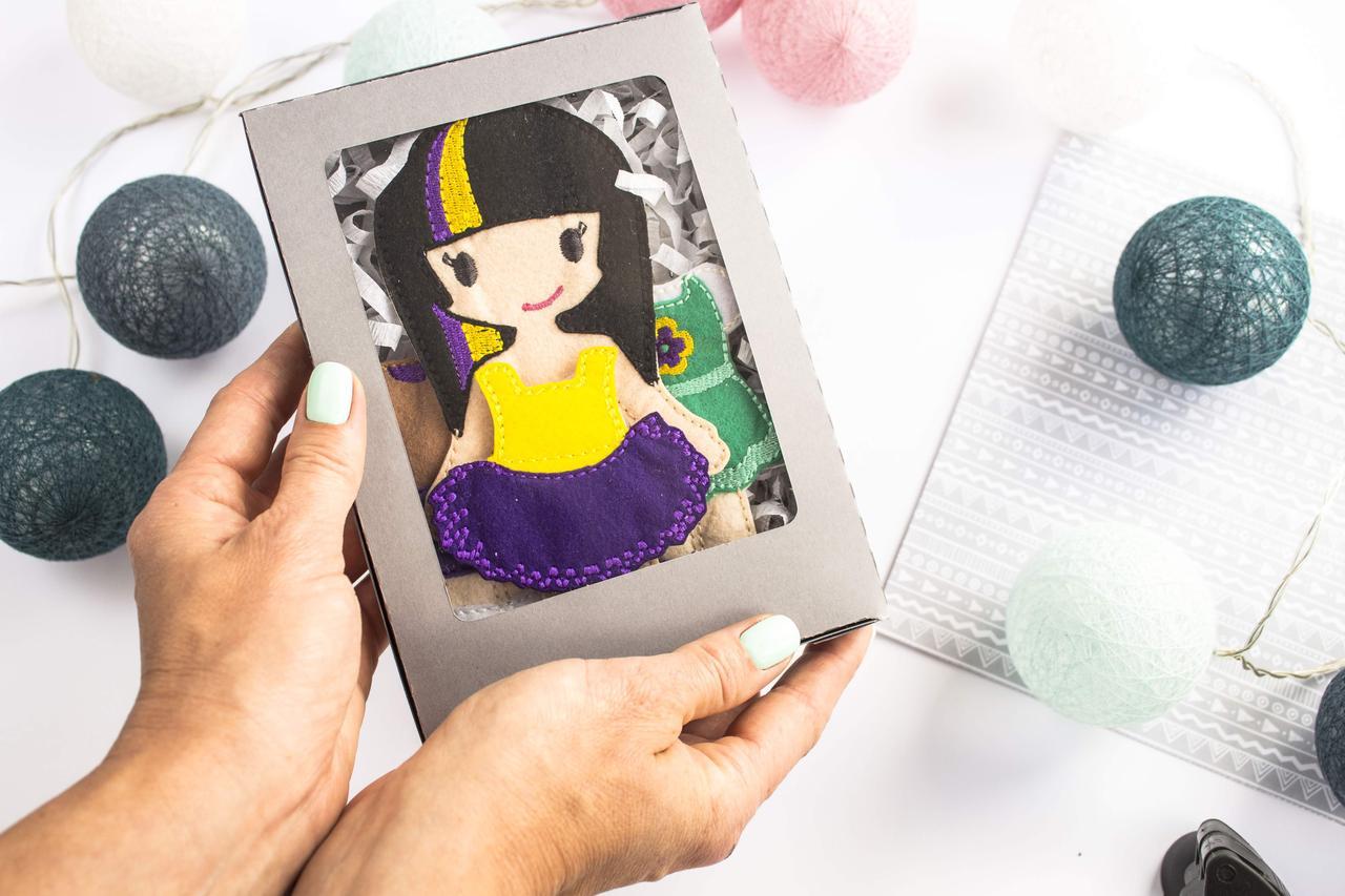 Кукла Янина с гардеробом