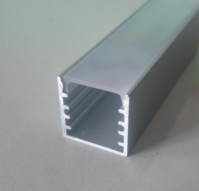 Накладной алюминиевый профиль вместе с рассеивателем 2 м для LED ленты АЛ-04-1