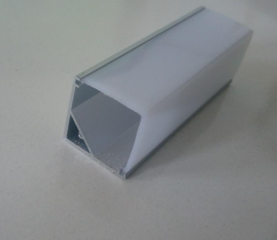 Угловой алюминиевый профиль вместе с рассеивателем 2м для LED ленты АЛ-05