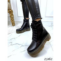 Женские ботинки черные кожаные мартинсы деми весенние DR. MARTENS, нат кожа, жіночі шкіряні чорні черевики