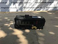 Блок предохранителей Jeep Grand Cherokee WK      04692073АВ