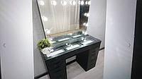 Стол для макияжа с витриной на столешнице и зеркалом без рамы V471