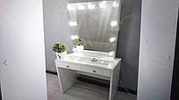 Стол для макияжа с витриной на столешнице и зеркалом без рамы V496