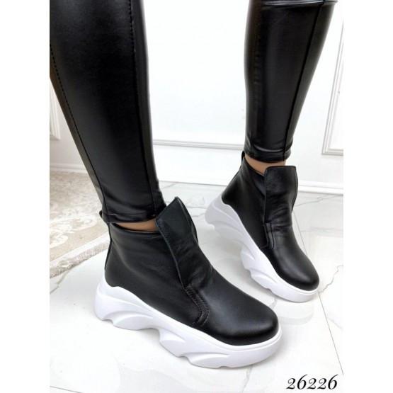 Женские черные кожаные деми ботинки, кроссовки, жіночі демі черевики кросівки чорні шкіряні, нат кожа