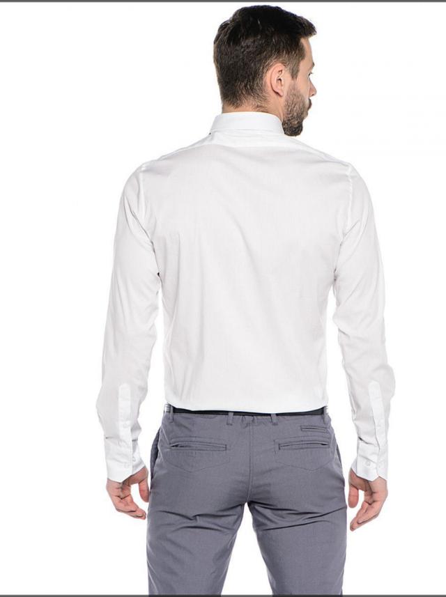 Модная рубашка мужская классическая