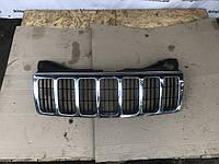 Решотка радиатора  Jeep Grand Cherokee WK