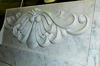 Классический барельеф из мрамора