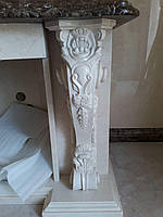 Элемент декора камина из мрамора