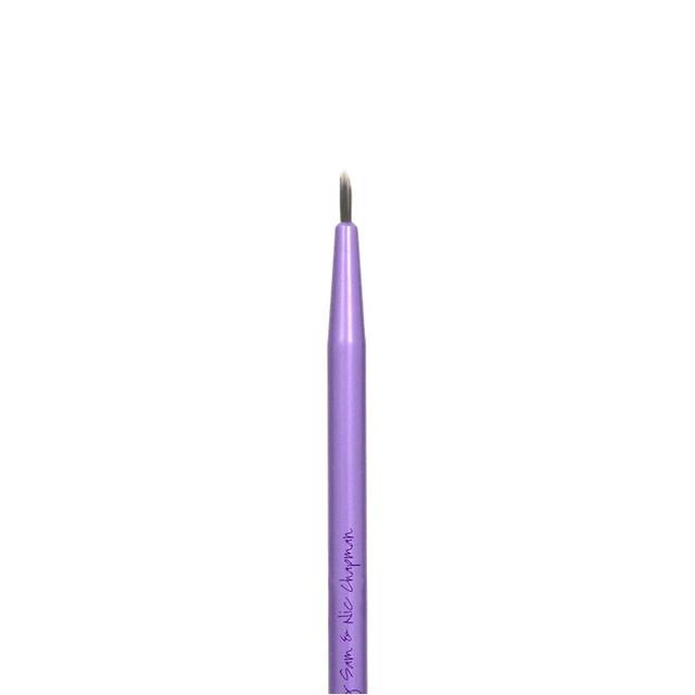Кисть для подводки Real Techniques by Sam & Nic Chapman Fine Liner Brush