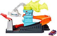 Оригинальный игровой набор Хот Вилс Монстры в городе Птеро Атака Hot Wheels Ptero Port Attack Playset GBF94