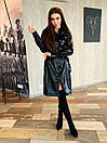 Кожаное платье рубашка в черном цвете длиной до колен 65py872, фото 2