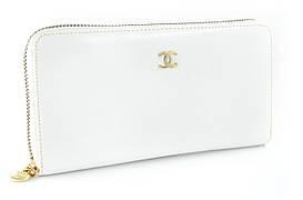 Стильный женский кожаный клатч  белого цвета с золотистой молнией (B9046)