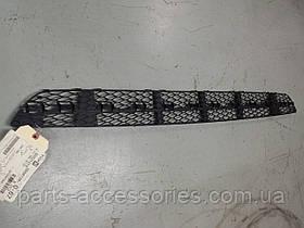 Центр.решётка в бампер Mercedes E W211 211 авангард до рестайл. 03-06